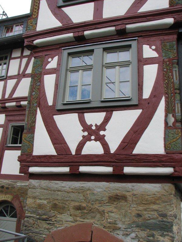 Das Kronberger Spital mit neuen denkmalgerechten Historischen Holzfenstern
