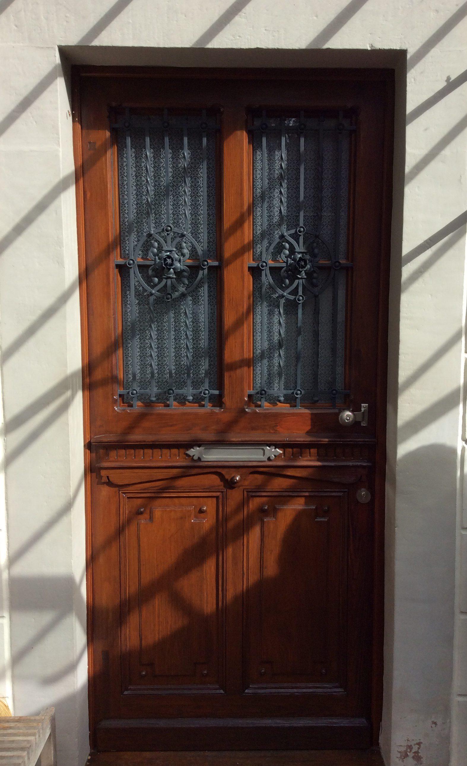 Sanierte Holzhaustür in Baden-Baden